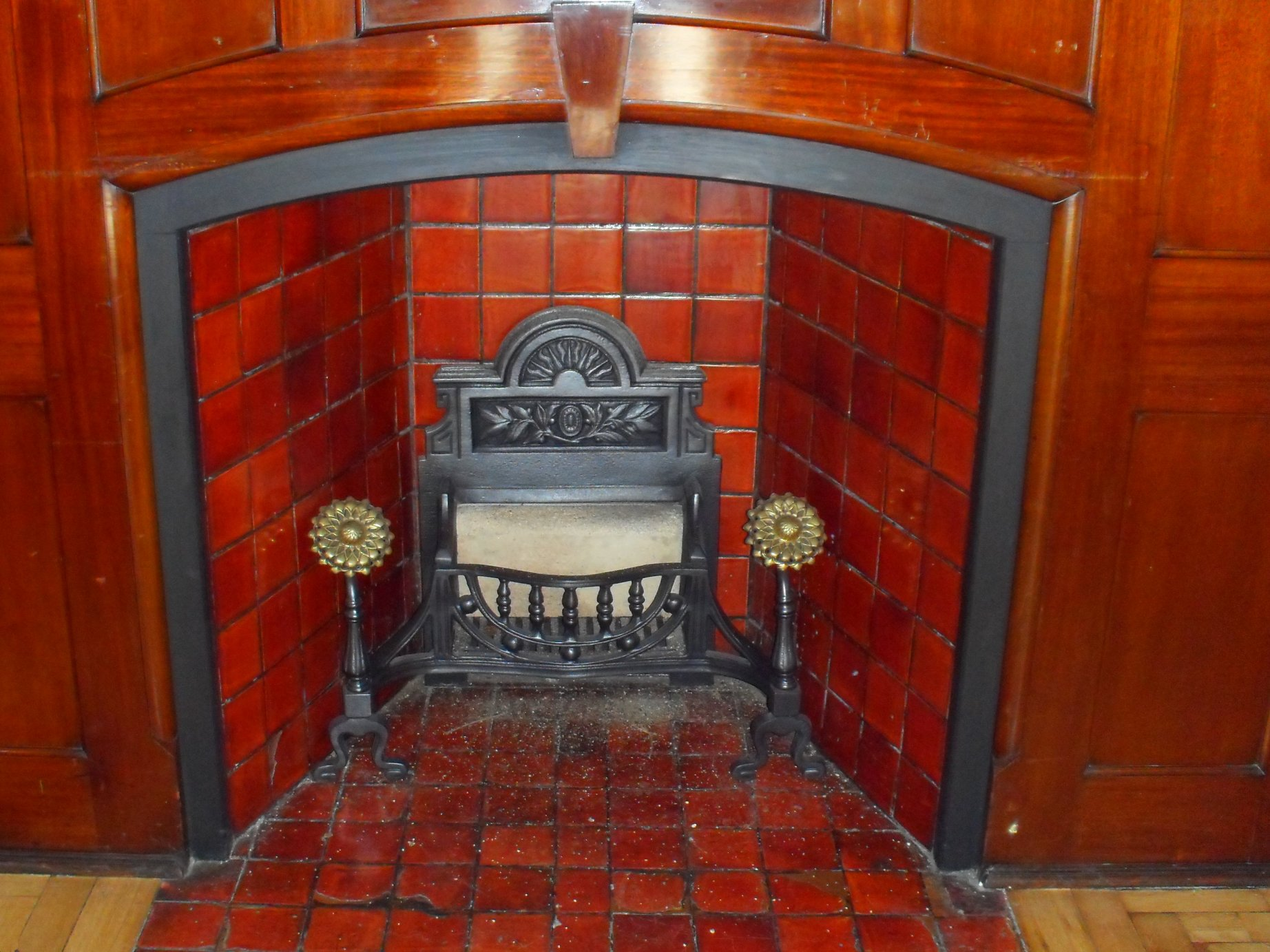 another old fireplace.JPG