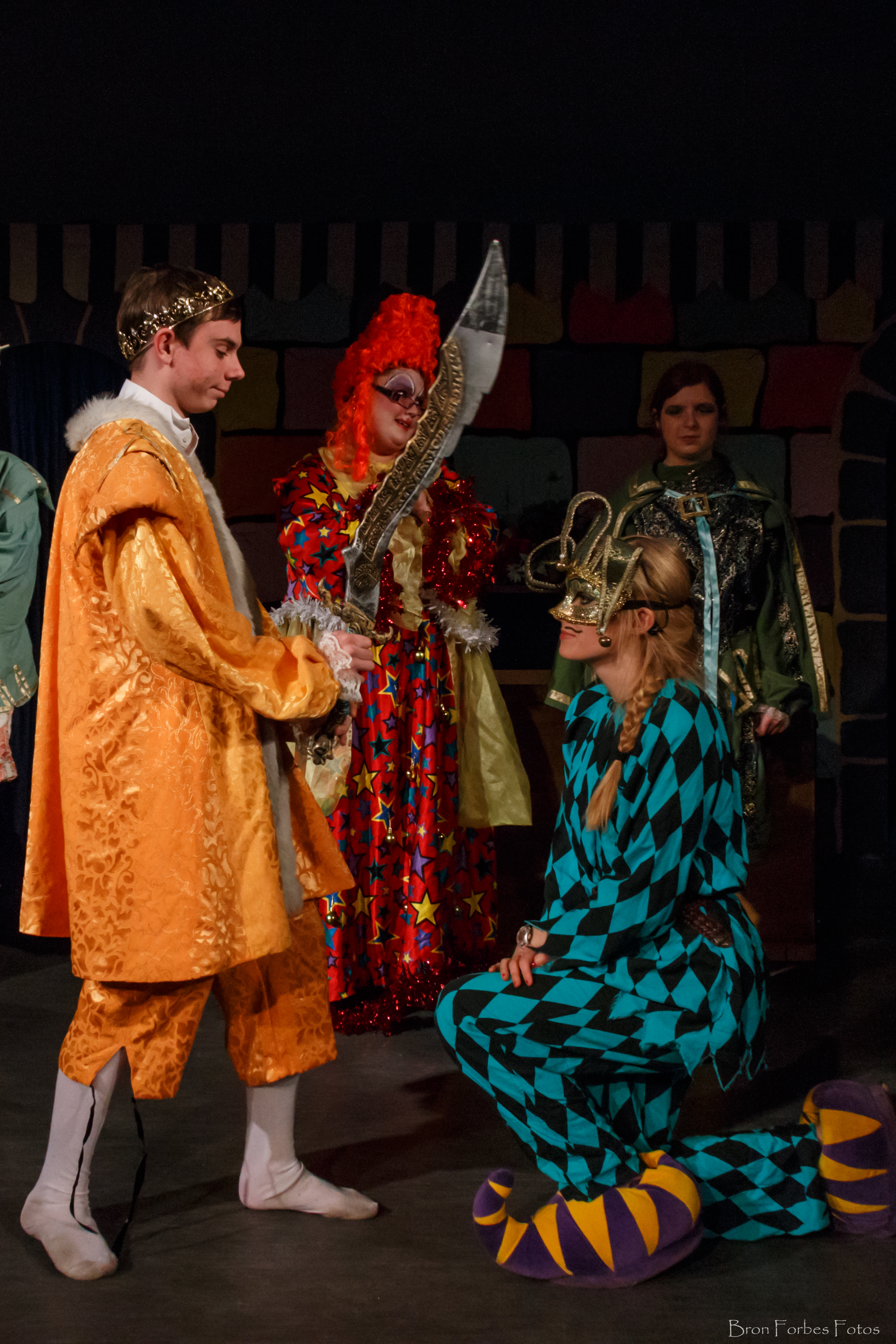 Acting community thingumybogs robin hood men in chaos for Farcical pantomime