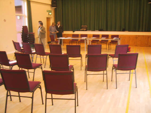 http://www.maisemore.potentialmatters.co.uk/Village_Hall/meeting1.jpg