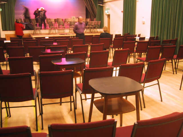 http://www.maisemore.potentialmatters.co.uk/Village_Hall/seatsandtables1.jpg