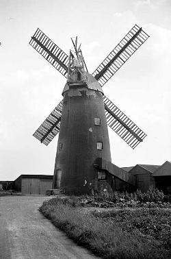 Stevens Mill, Burwell. Copyright English Heritage