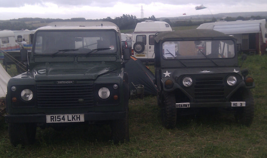 Landrover Defender 90 and MUTT size comparison