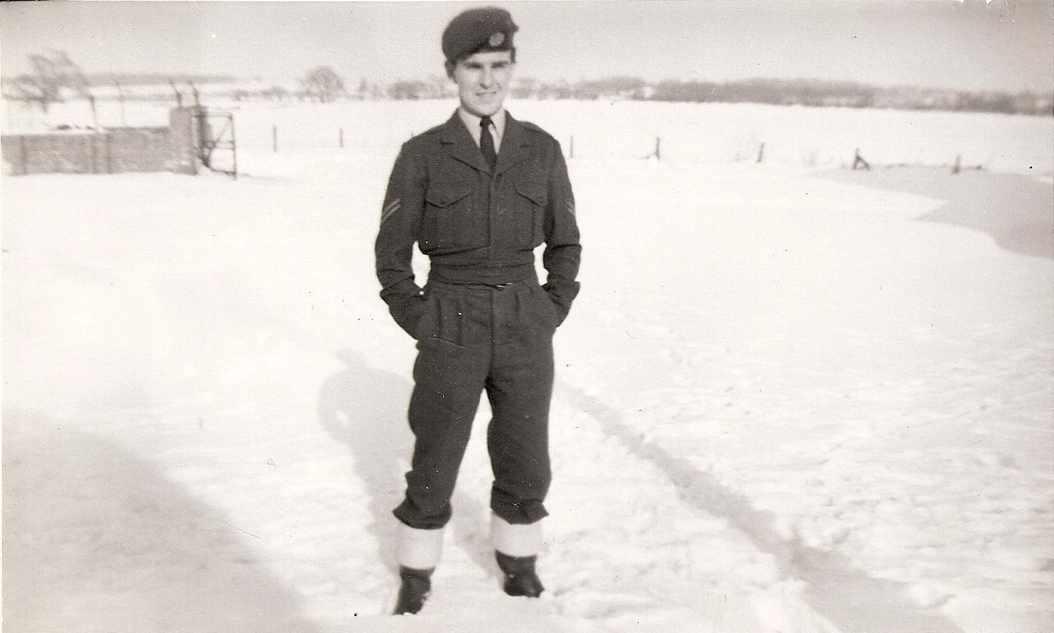 RAF Worksop, fire Service, 4 FTS