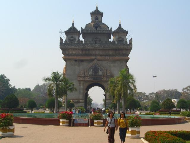 Patuxai, Vientiane.