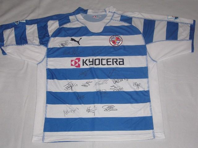 Signed Reading FC home Premiership shirt with 16 signatures and the Premier Leauge badges.