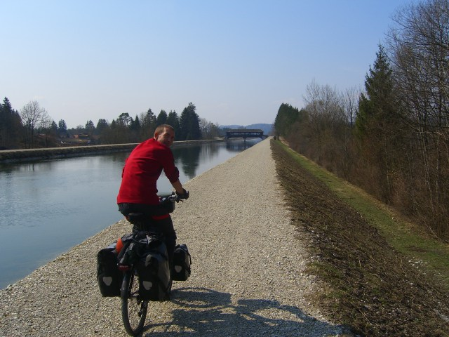 Cycling down the Isar river