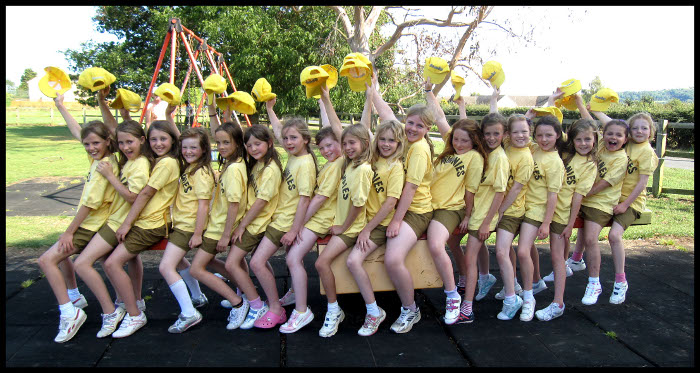 1st Coaley Brownies - Pack Holiday - July 2011 - photo#35