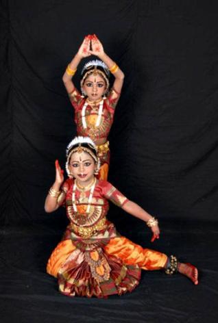 77962c41c1435 hinduismworld - Bharat Natyam Classical Indian Dance class